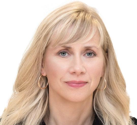 Cynthia                                            Hollohan